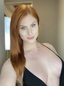 Evie Envy blue eyes